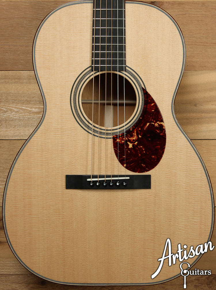 Huss and Dalton Custom 000 Sitka Spruce and Mahogany  ID-7611