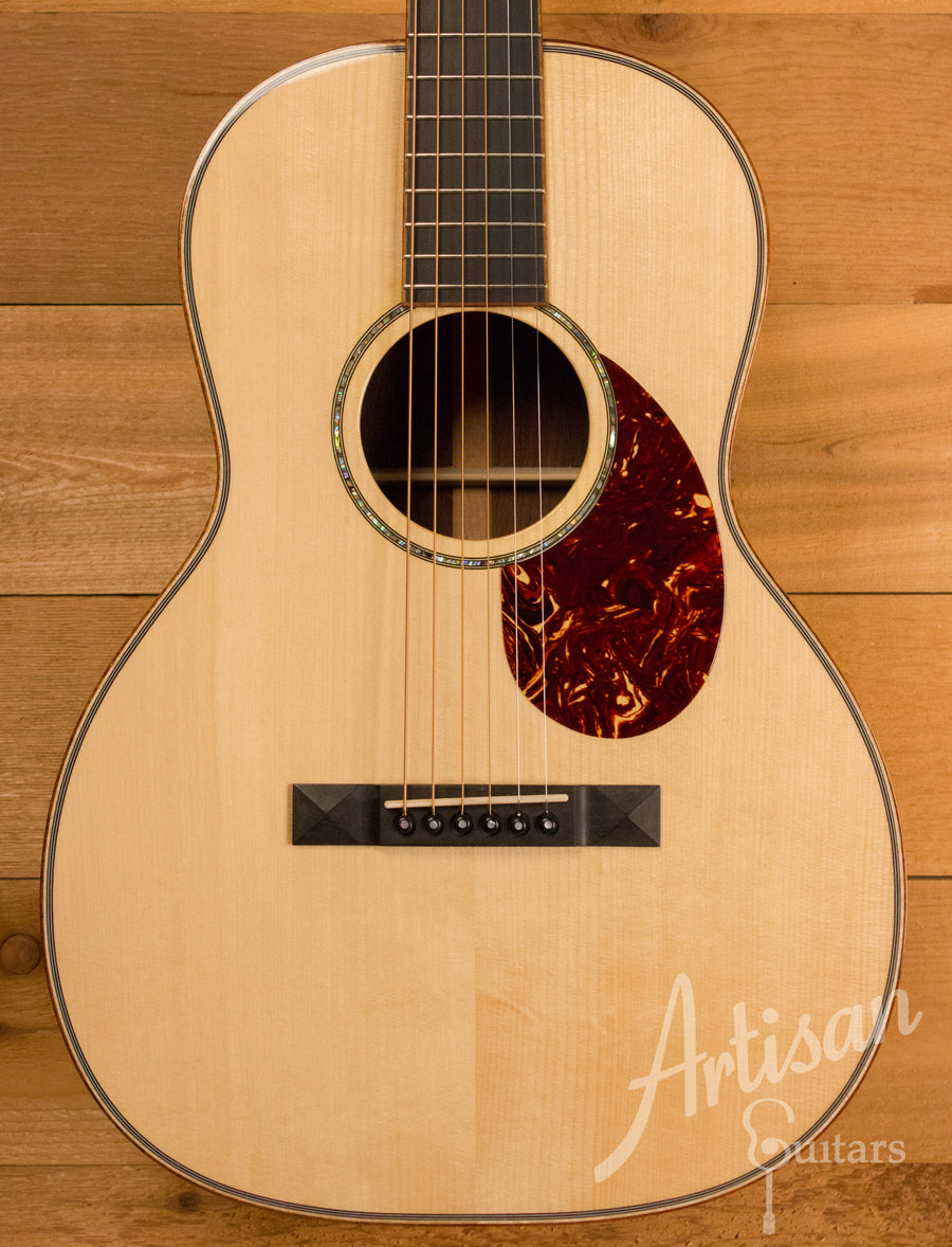 Huss and Dalton Custom 00-SP Red Spruce and Brazilian Rosewood Pre-Owned 2011 ID-11271
