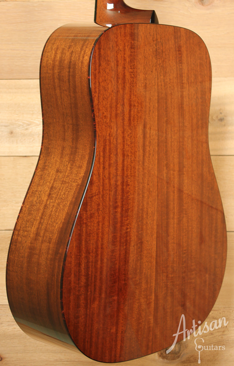 Collings D1 Sitka Spruce and Mahogany ID-8101 - Artisan Guitars