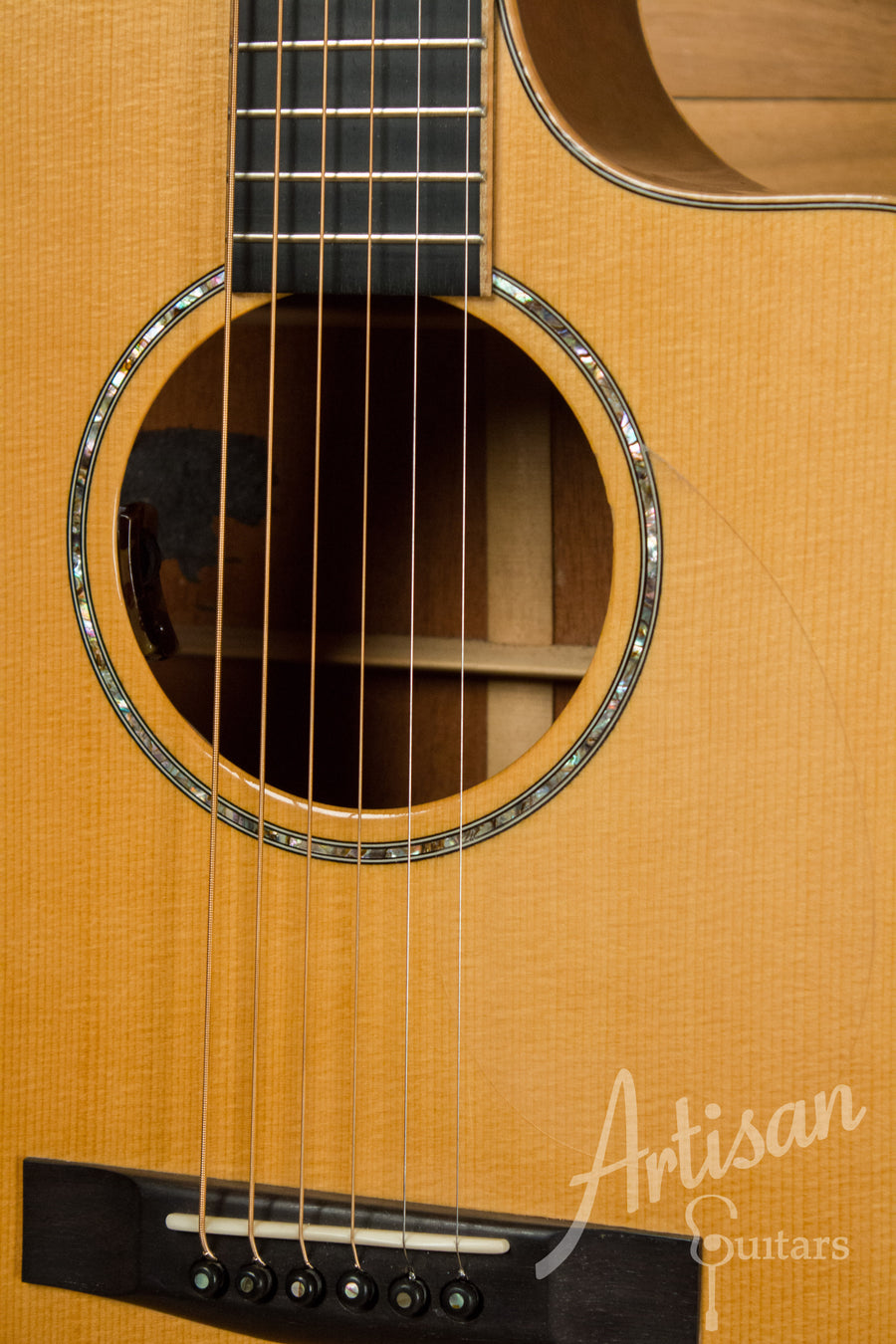 Huss and Dalton CM Cutaway Engelmann Spruce and Mahogany Pre-Owned 2000 ID-11104 - Artisan Guitars