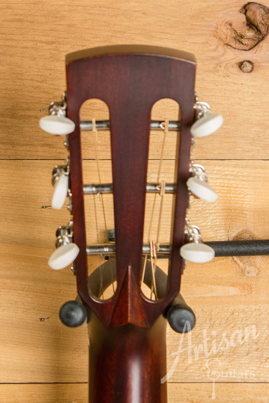 Huss and Dalton DS-12 Custom Italian Spruce and Sinker Mahogany Pre-Owned 2012 ID-11229