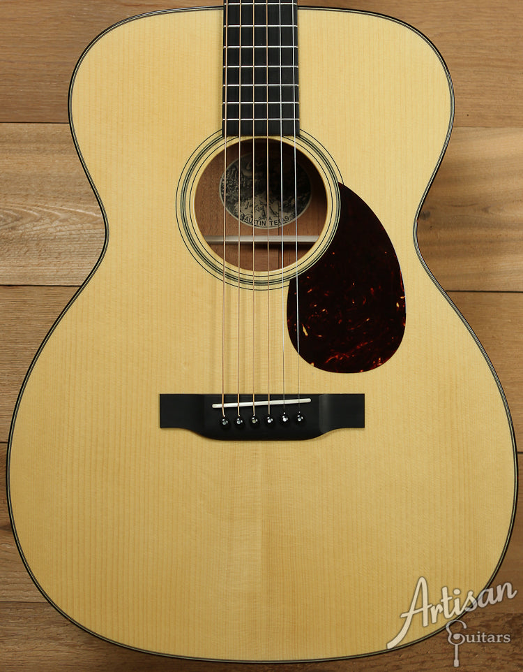 Collings OM1 A Custom Adirondack Spruce and Mahogany with Adirondack Braces and Varnish Finish ID-7723 - Artisan Guitars