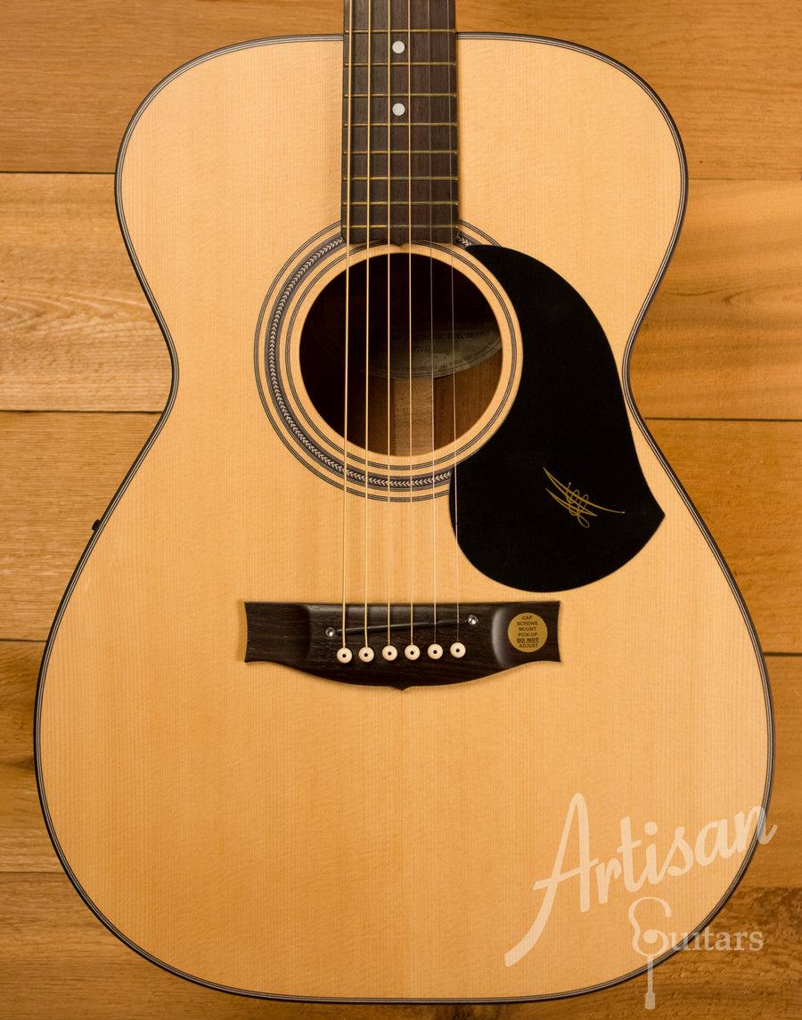 Maton EBG808 Sitka Spruce and Blackwood ID-10828