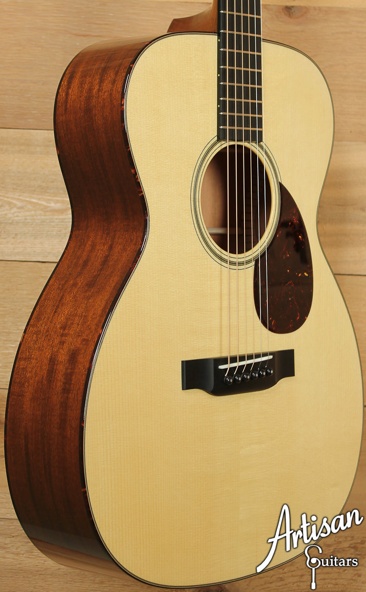 Collings OM1 A Custom Adirondack Spruce and Mahogany with Adirondack Braces and Varnish Finish ID-7348 - Artisan Guitars