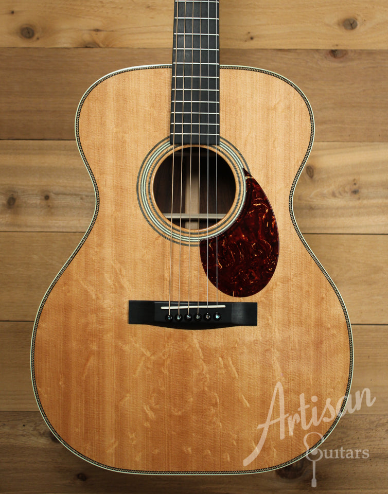 Pre Owned 2009 Huss and Dalton TOM R Bearclaw Sitka Spruce and Brazilian Rosewood ID-9911
