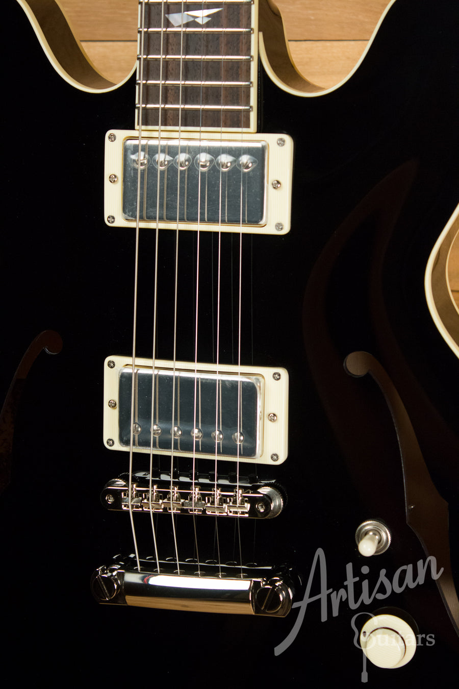 Collings Custom I35 LC Guitar Jet Black Finish with Lollar Low-Wind Imperials ID-10875