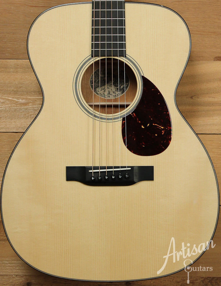 Collings OM1 A VN Custom Adirondack Spruce and Mahogany with Vintage Now Neck ID-7530
