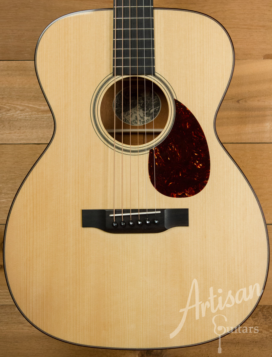 Collings OM1 A VN Adirondack Spruce and Mahogany Guitar with Adirondack Braces and Vintage Now Neck Pre-Owned 2013 ID-11073 - Artisan Guitars