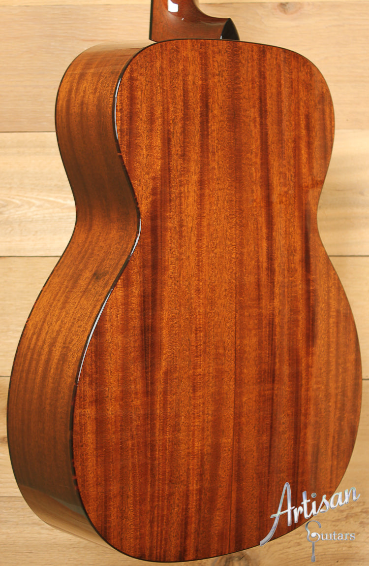 Collings OM1 A VN Custom Adirondack Spruce and Mahogany with Adirondack Braces and Varnish Finish ID-7789