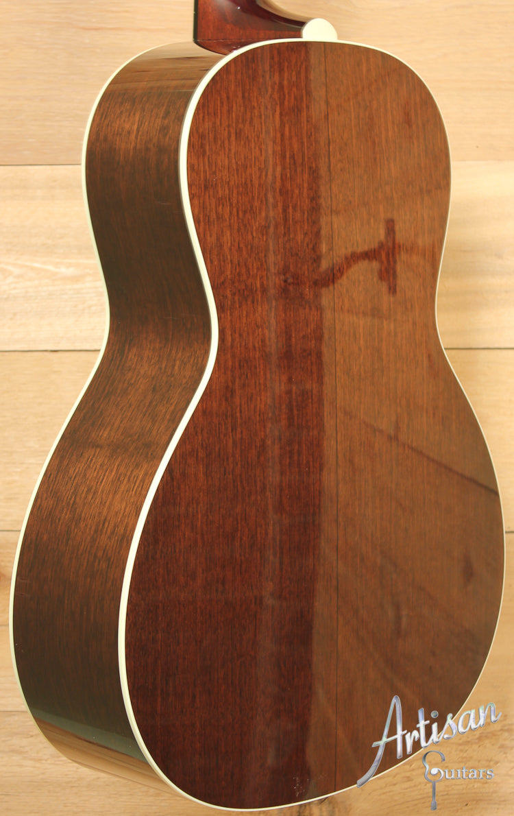 Collings C10 Sitka Spruce and Walnut ID-7653
