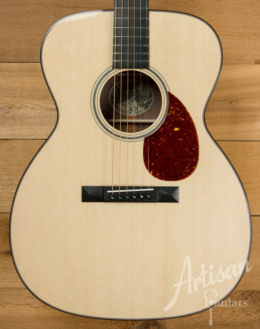 Collings Custom OM1 Sitka Spruce and Walnut with No Tongue Brace ID-10899 - Artisan Guitars