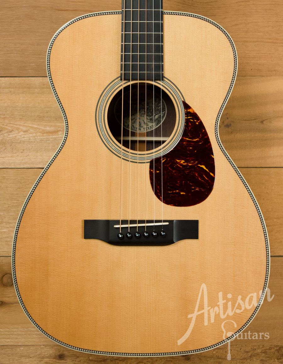 Collings 02H Sitka Spruce and Indian Rosewood Pre-Owned 2010 ID-10936