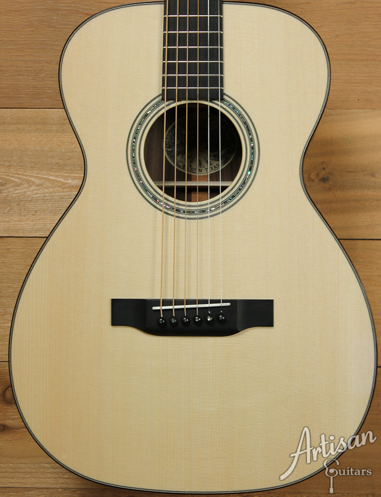 Collings 02HG German Spruce and Indian Rosewood with Adirondack Braces ID-7306 - Artisan Guitars