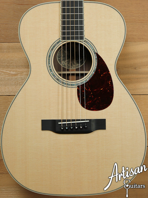 Collings 03S Sitka Spruce and Indian Rosewood ID-7003 - Artisan Guitars