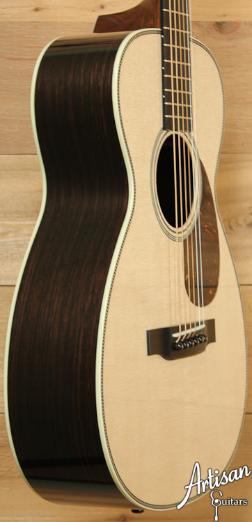 Collings Baby 2H Sitka Spruce and Indian Rosewood ID-7015 - Artisan Guitars