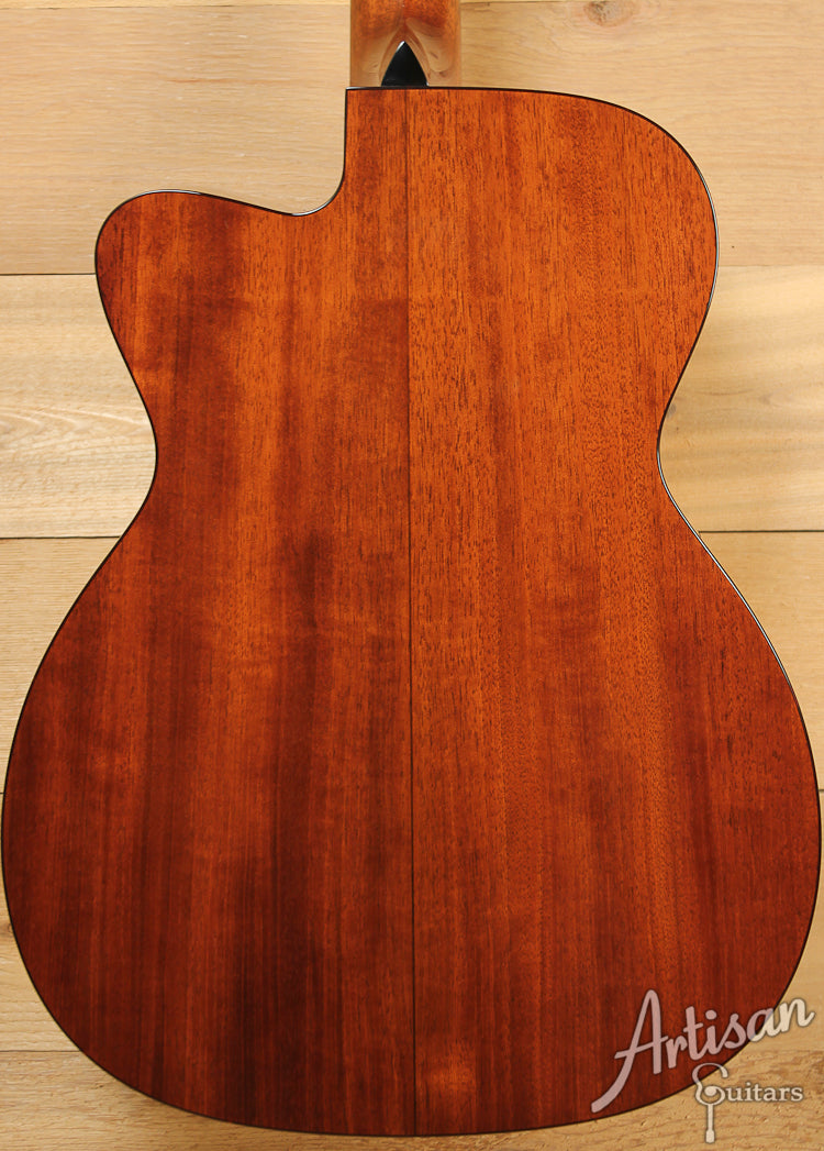 Collings OM1C PH Pete Huttlinger Signature Model  ID-7310