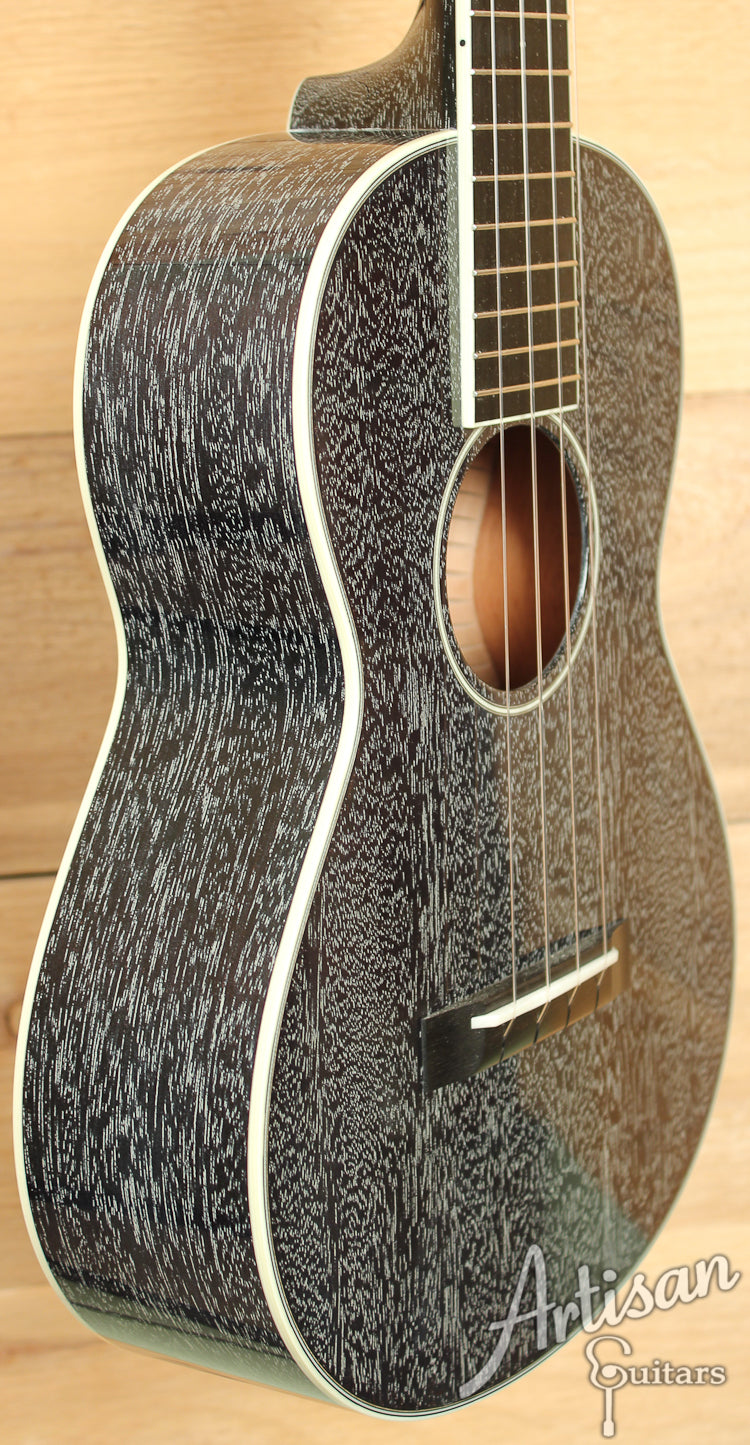 Collings UT2 Ukulele Custom Mahogany Doghair Finish  ID-7255
