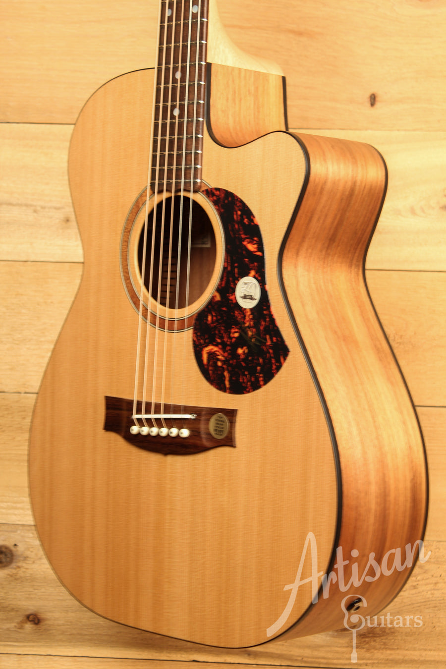 Maton SRS808C Guitar Western Red Cedar and Solid Blackwood Cutaway ID-11642