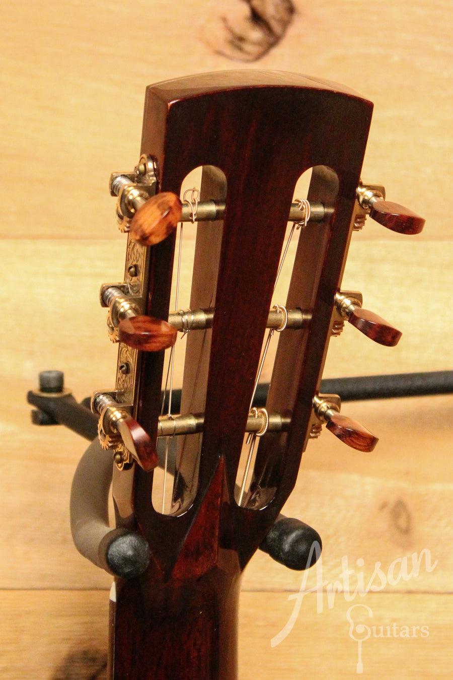 Huss and Dalton Custom 00-SP Guitar Sinker Redwood and Indian Rosewood with Herringbone ID-11680