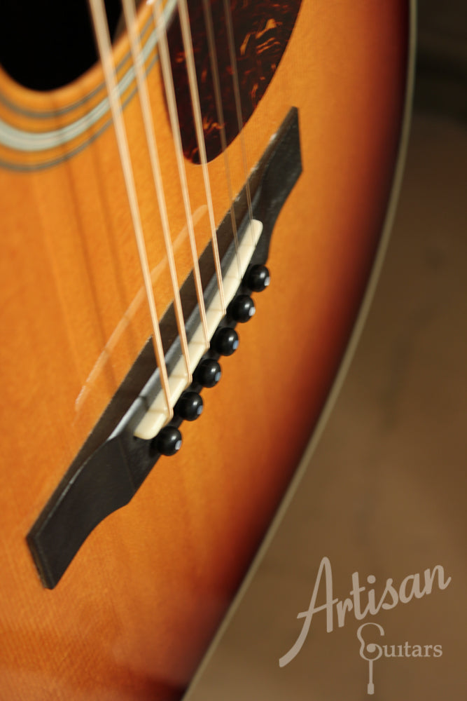 Pre Owned 2011 Collings 02 SB Sitka Spruce and Indian Rosewood with Sunburst Finish ID-9344 - Artisan Guitars