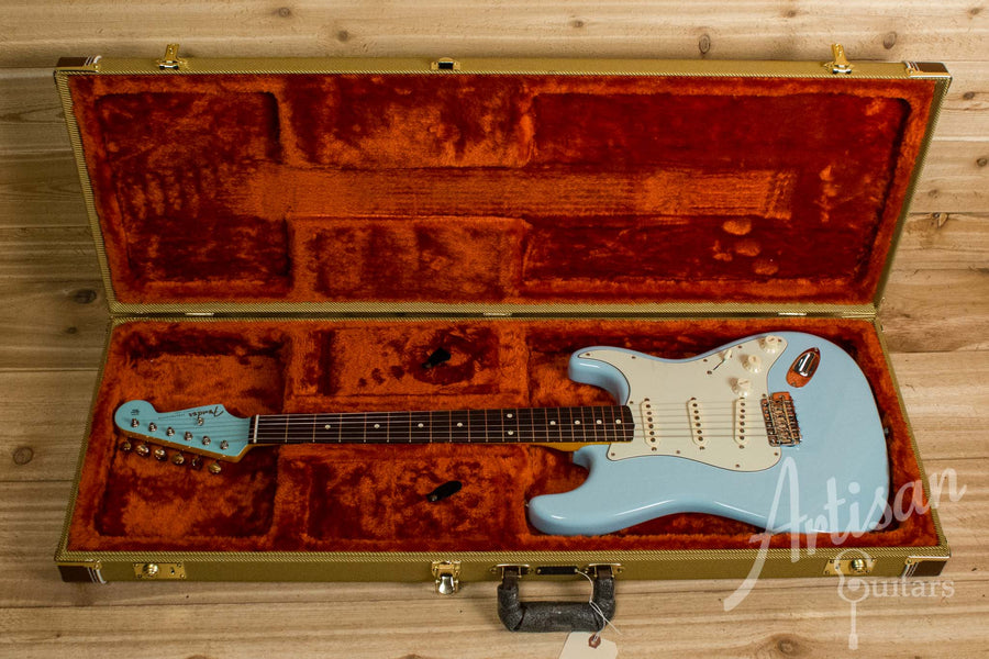 Fender Stratocaster Special Edition Guitar 60's Lacquer Daphne Blue Pre-Owned 2014 ID-10541 - Artisan Guitars