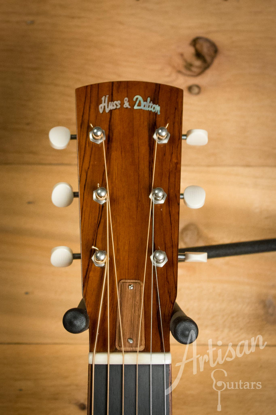 Huss and Dalton Custom 00 Engelmann and Indian Rosewood Pre-Owned 2007 ID-10572 - Artisan Guitars