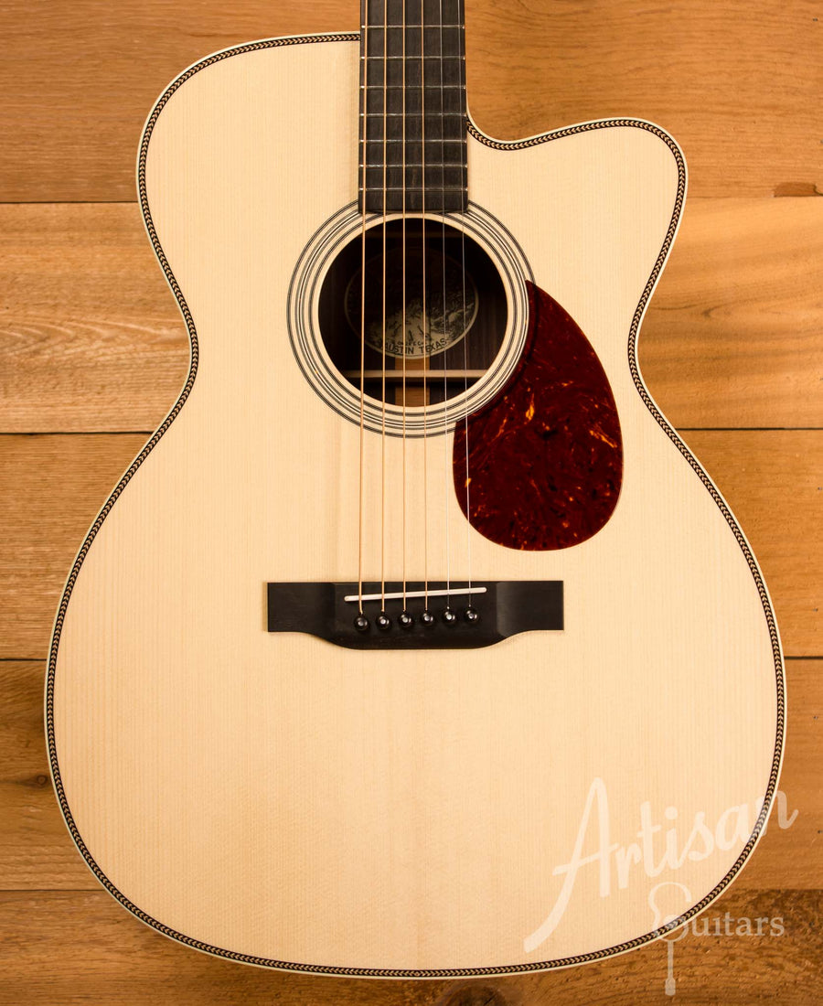 Collings OM2H Guitar Cutaway Engelmann Spruce and Indian Rosewood Pre-Owned 2016 ID-11420