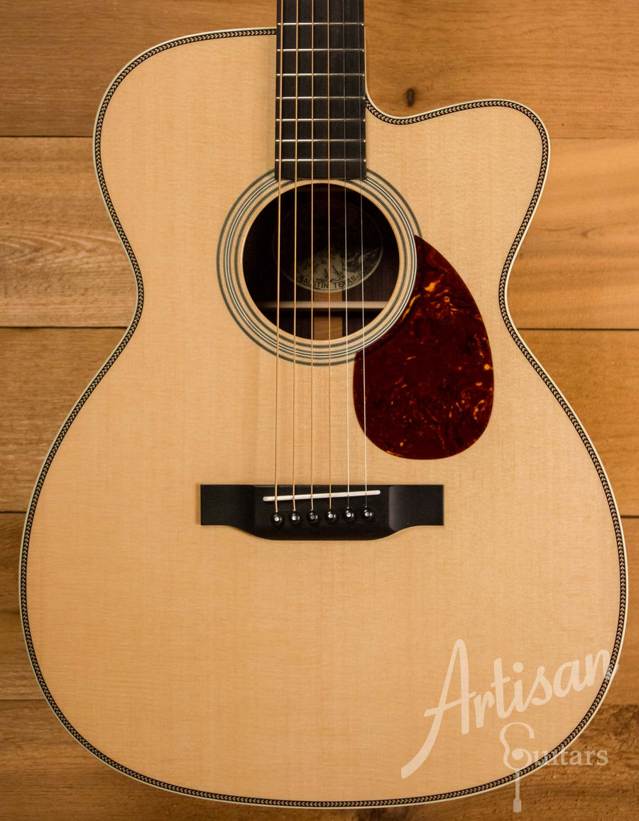 Collings OM2H Guitar Cutaway Sitka Spruce and Indian Rosewood ID-10448