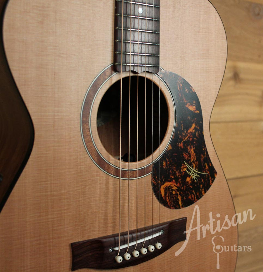Maton SRS808 Western Red Cedar and Solid Blackwood ID-9676 - Artisan Guitars