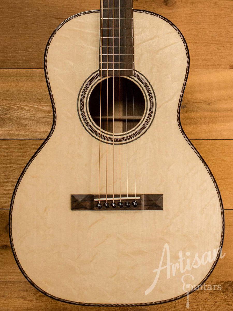 Huss and Dalton 00 SP Guitar Custom Italian Spruce with Italian Walnut  ID-10583 - Artisan Guitars