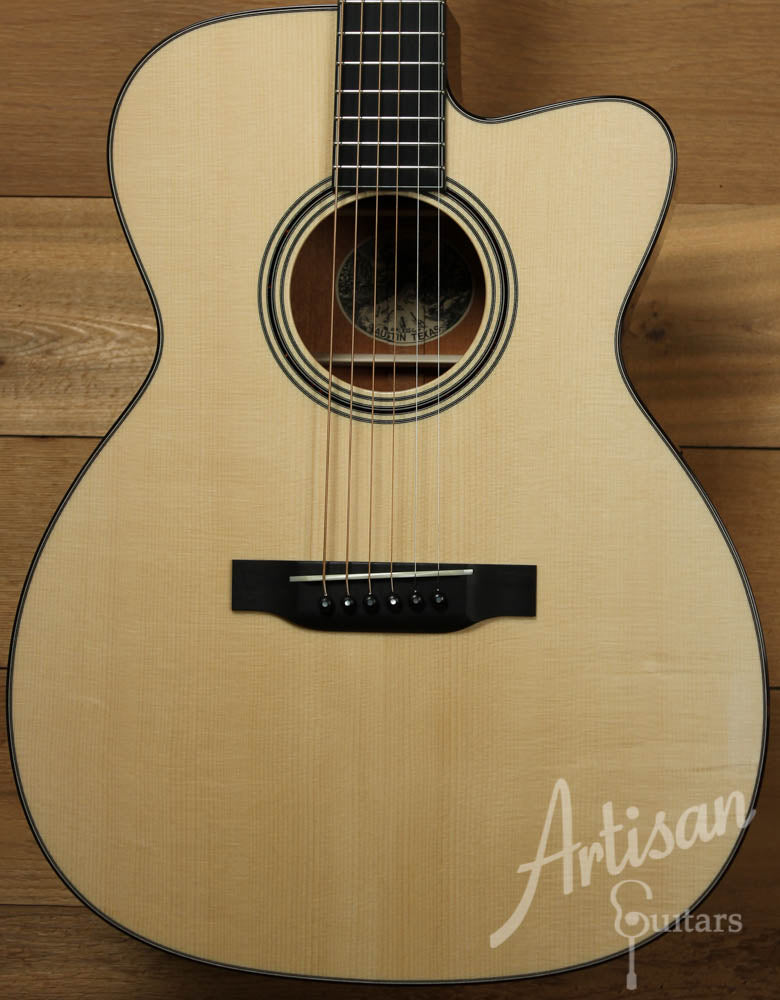 Collings OM1AC Cutaway Adirondack Spruce and Mahogany with Cutaway ID-9087 - Artisan Guitars
