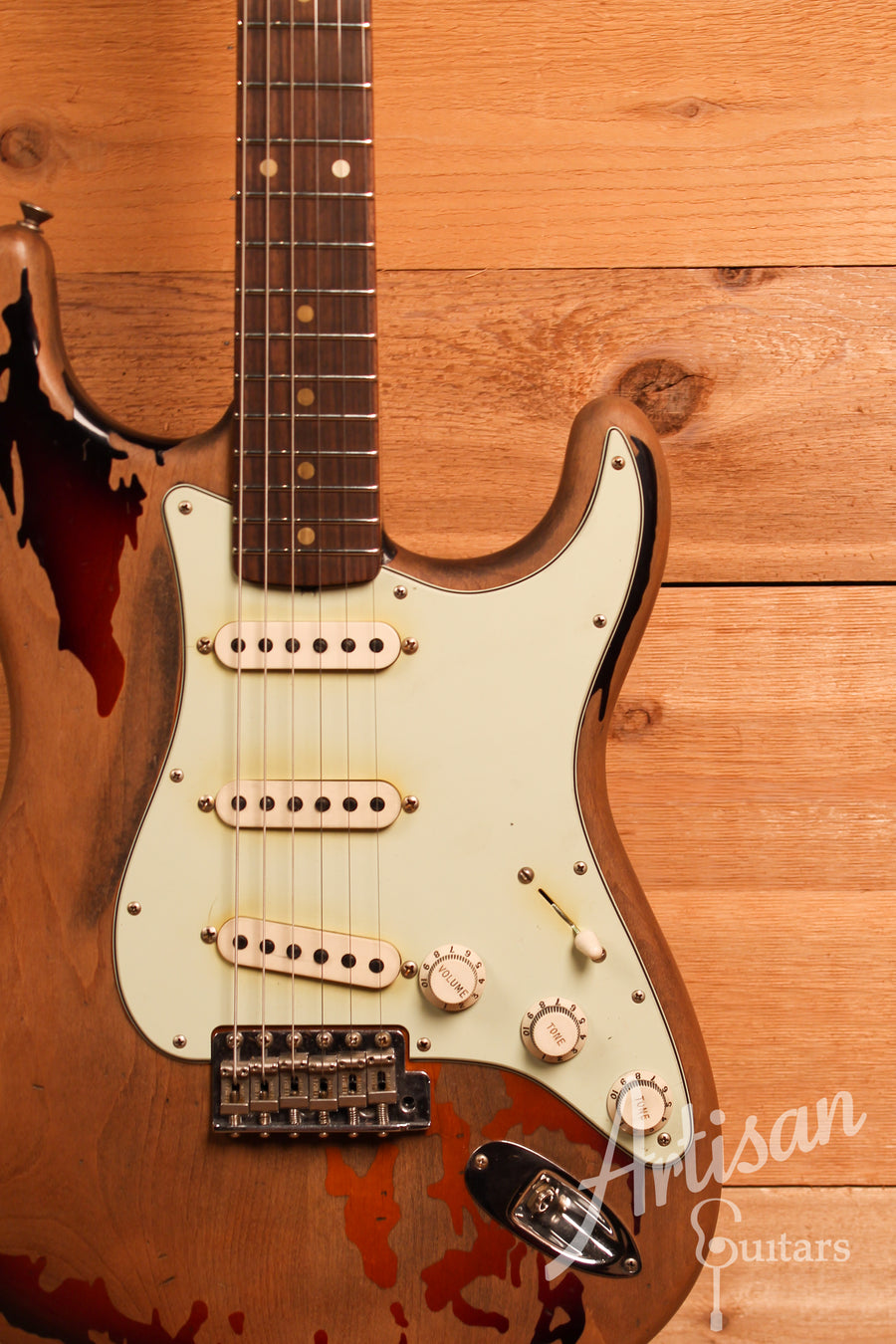 Fender Custom Shop Artist Collection Rory Gallagher Signature Stratocaster Heavy Relic 3 Color Sunburst Finish ID-11337