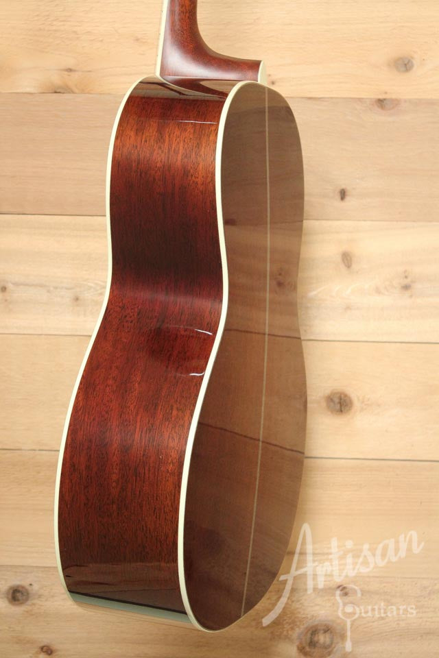 Santa Cruz 000 Guitar Pre-Owned 2014 Adirondack and Mahogany Tobacco Sunburst ID-9765 - Artisan Guitars