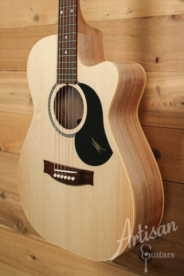 Maton EBG808CL Performer Series Bunya and Queensland Maple with Cutaway ID-9893 - Artisan Guitars