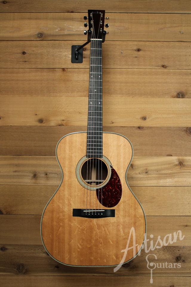 Pre Owned 2009 Huss and Dalton TOM R Bearclaw Sitka Spruce and Brazilian Rosewood ID-9911 - Artisan Guitars