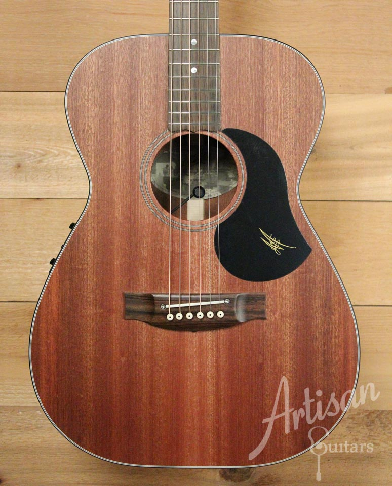 Maton M808 Sapele Top, Back, and Sides with AP5 Pro pickup ID-9953