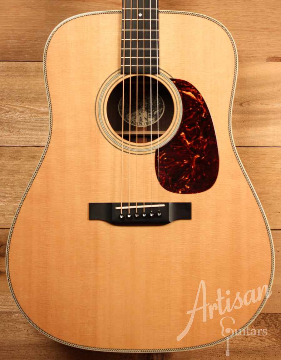 Collings D2H Sitka Spruce and Indian Rosewood Pre-Owned 2011 ID-11418 - Artisan Guitars
