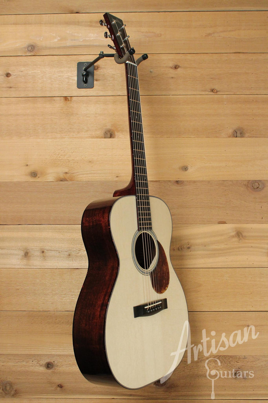Huss and Dalton TOM-M Guitar Red Spruce and Mahogany ID-9545