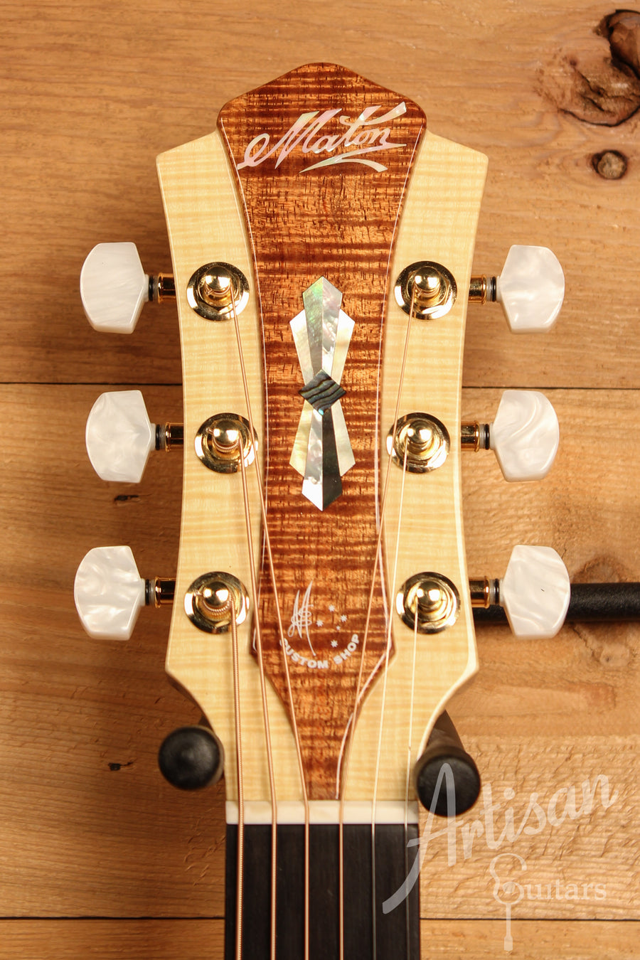 Maton WA May Custom Shop 808 Guitar with Sitka Spruce and Fiddleback Blackwood ID-11446