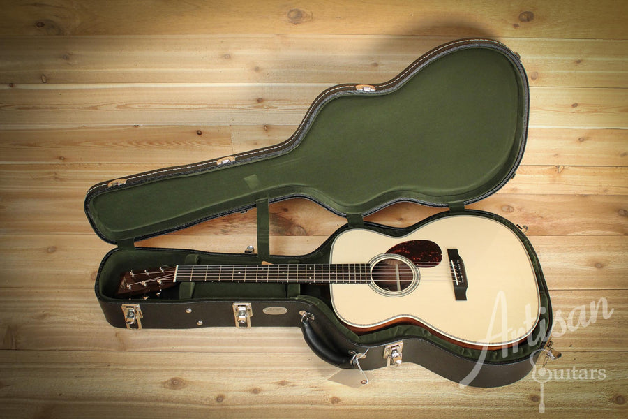Pre-Owned 2015 Collings OM2H MRG German Spruce and Madagascar Rosewood Deep Body with No Tongue Brace ID-10102