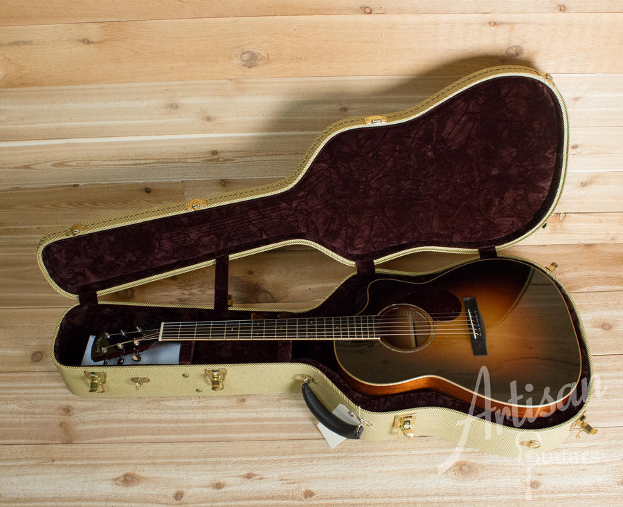 Pre-Owned 2012 Huss and Dalton CM Cutaway Engelmann Spruce and Mahogany ID-10157