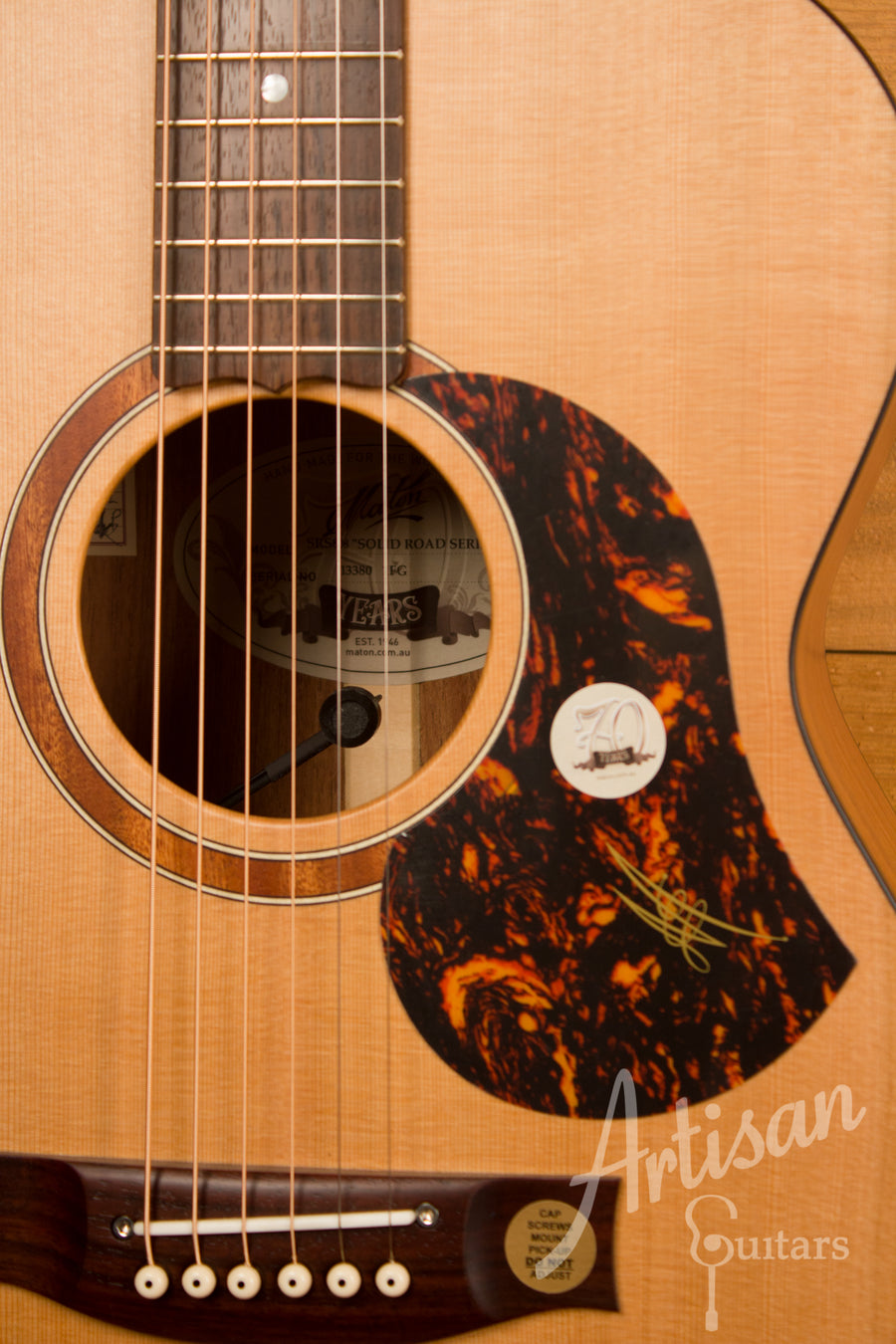 Maton SRS808 Guitar Western Red Cedar and Solid Blackwood ID-11495