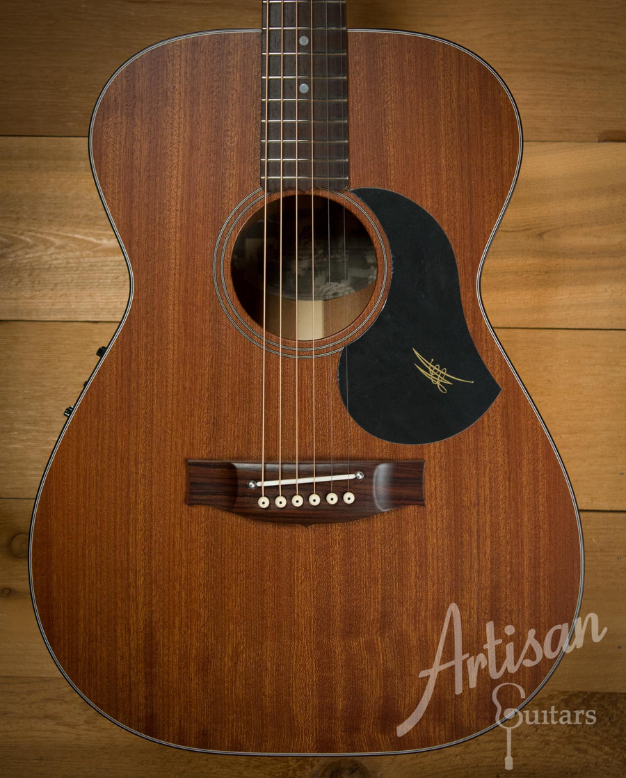 Maton M808 Guitar Sapele Top, Back, and Sides with AP5 Pro pickup  ID-10128