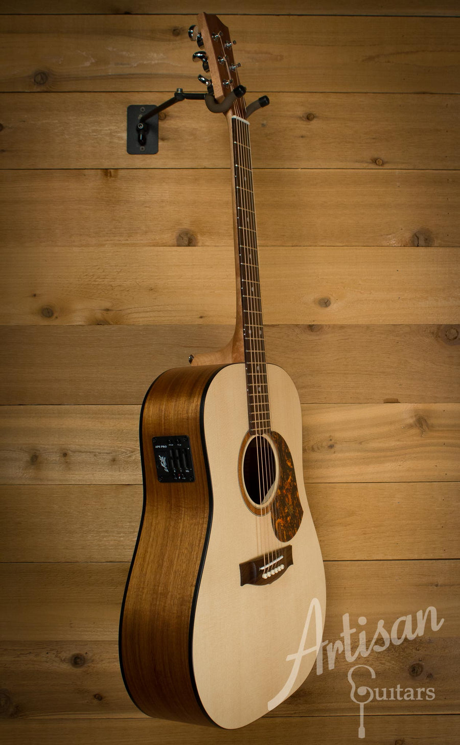 Maton SRS70 Solid Road Series Sitka and Blackwood AP5 Pro ID-10125 - Artisan Guitars