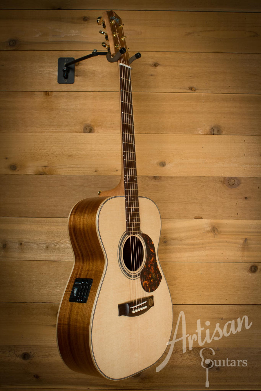Maton EBG808 Artist Series Sitka Spruce and Blackwood AP5 Pro ID-10121 - Artisan Guitars