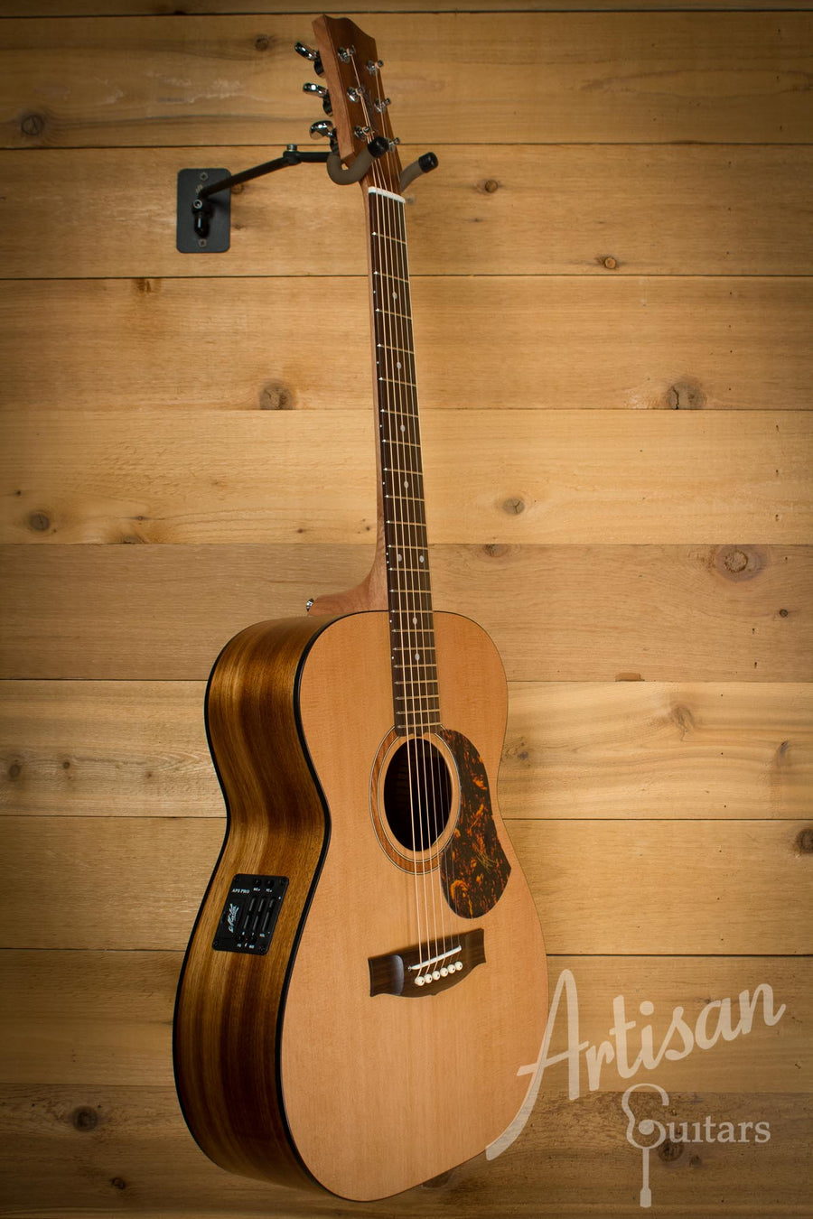 Maton SRS808 Guitar Western Red Cedar and Solid Blackwood AP5 Pro  ID-10123 - Artisan Guitars