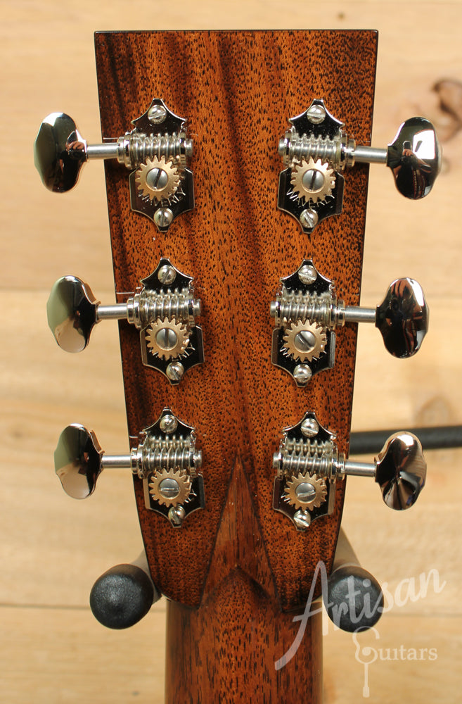 Collings OM2H Short Scale Sitka Spruce and Indian Rosewood ID-9316 - Artisan Guitars