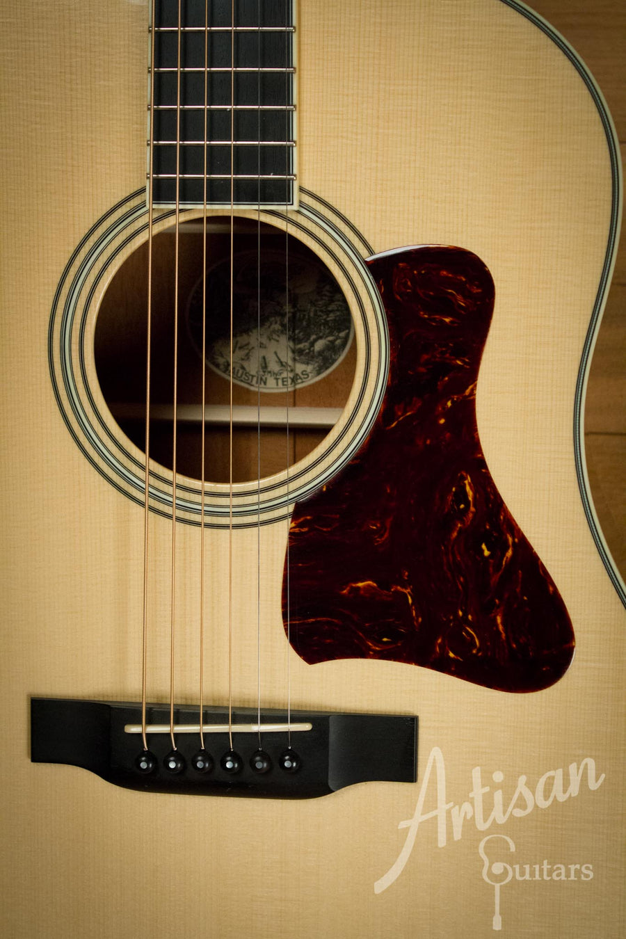 Collings CJ Guitar Pre-Owned 2011 with German Spruce top and Mahogany back and sides ID-10250 - Artisan Guitars