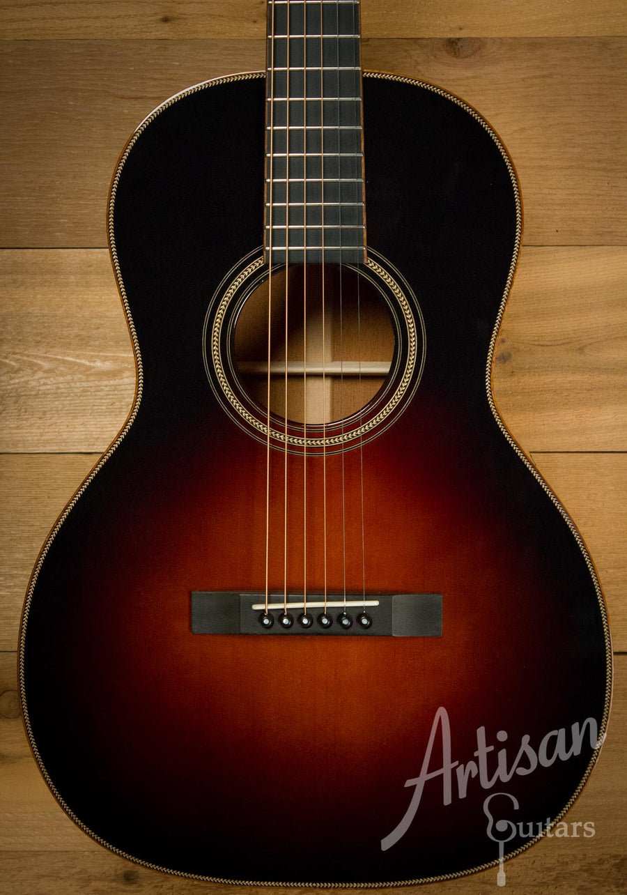 Pre-Owned 2009 Huss and Dalton 00 Sitka Spruce and Mahogany Sunburst ID-10260
