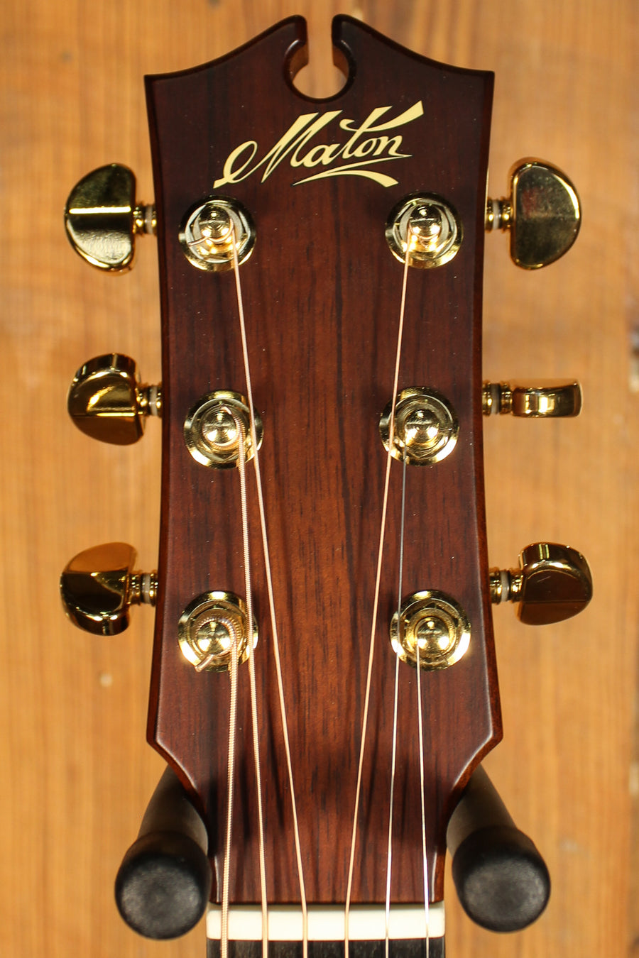 Maton EBG808C Nashville Series Sitka Spruce and Blackwood and Cutaway